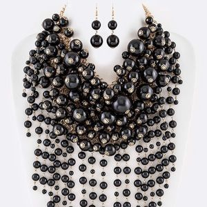 Jewelry - Dramatic Black & Gold Pearl Statement Necklace
